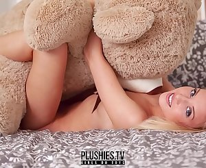Erotic nude teen top model Monika Tempe photo shoot for Plushies TV